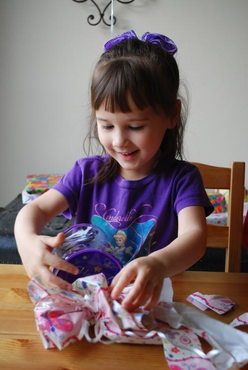 Hannah Montana hair clips and bag. :)